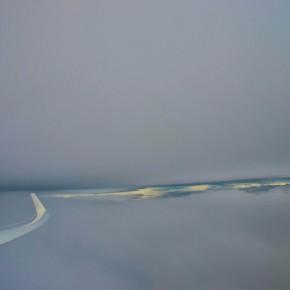Umgeben von Wolken in 5'000 m/M